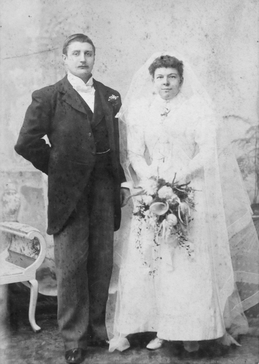 Fanny Catherine Draper, 1866 -1944. Daughter of Charles and Catherine Draper.  Pictured with her husband William Henry Smith.  They were married at Coton in the Elms, Derbyshire in 1896