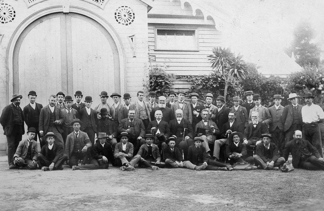 Charles Draper with staff and students at Burnley Horticultural College c 1900.  Messrs. William Anderson, Charles Draper and Henry Boyce were nominated to the Board of Advice for Management of the Horticultural Gardens. The Government appointees were David Martin, Secretary for Agriculture, Chairman, Joseph Harris and James Lang. George Neilson was appointed Curator. The Board of Advice was appointed on 16 February 1891. In May 1891, the first School of Horticulture in Australia came into existence