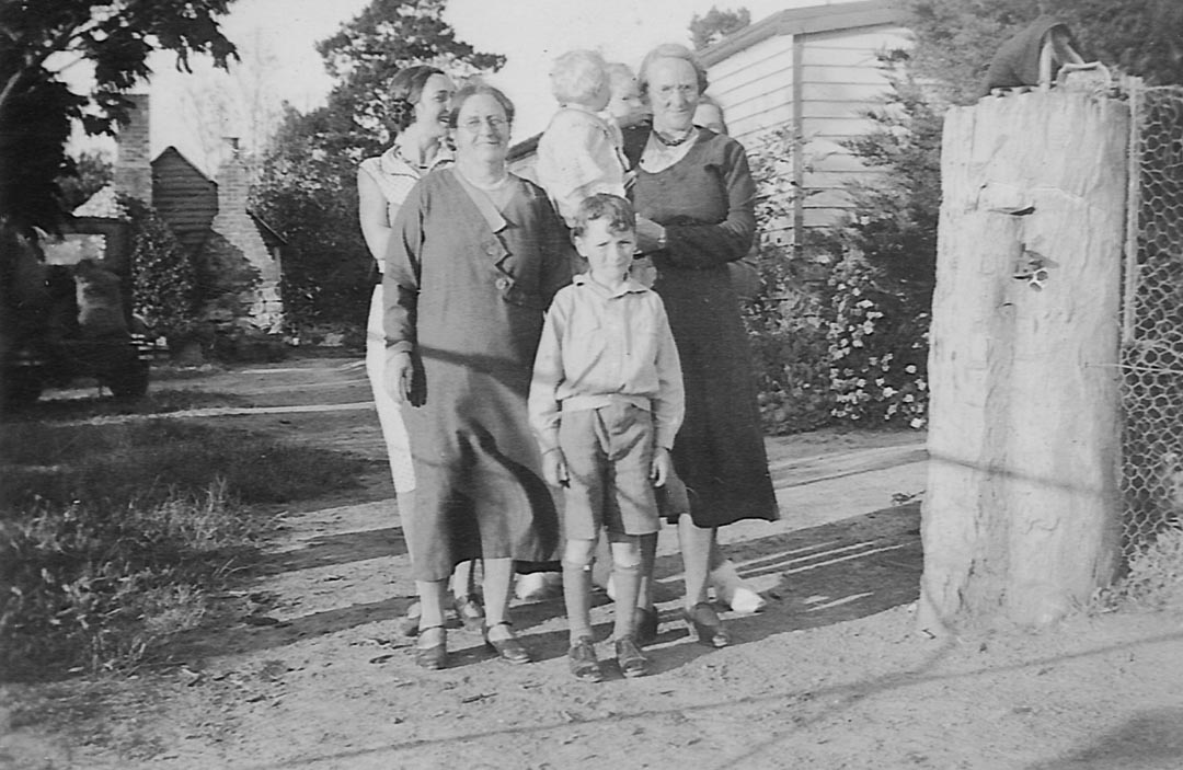 Elizabeth Jullyan (nee Simpson), 1877 - 1956; the author's grandmother (on his mother's side), second from the left.  Blanche Draper (nee Hurrey), 1880 - 1968; the author's grandmother (on his father's side), on the right.  Pictured at 'Barton Hill', Arthurs Creek in front of the historic original kitchen c 1935