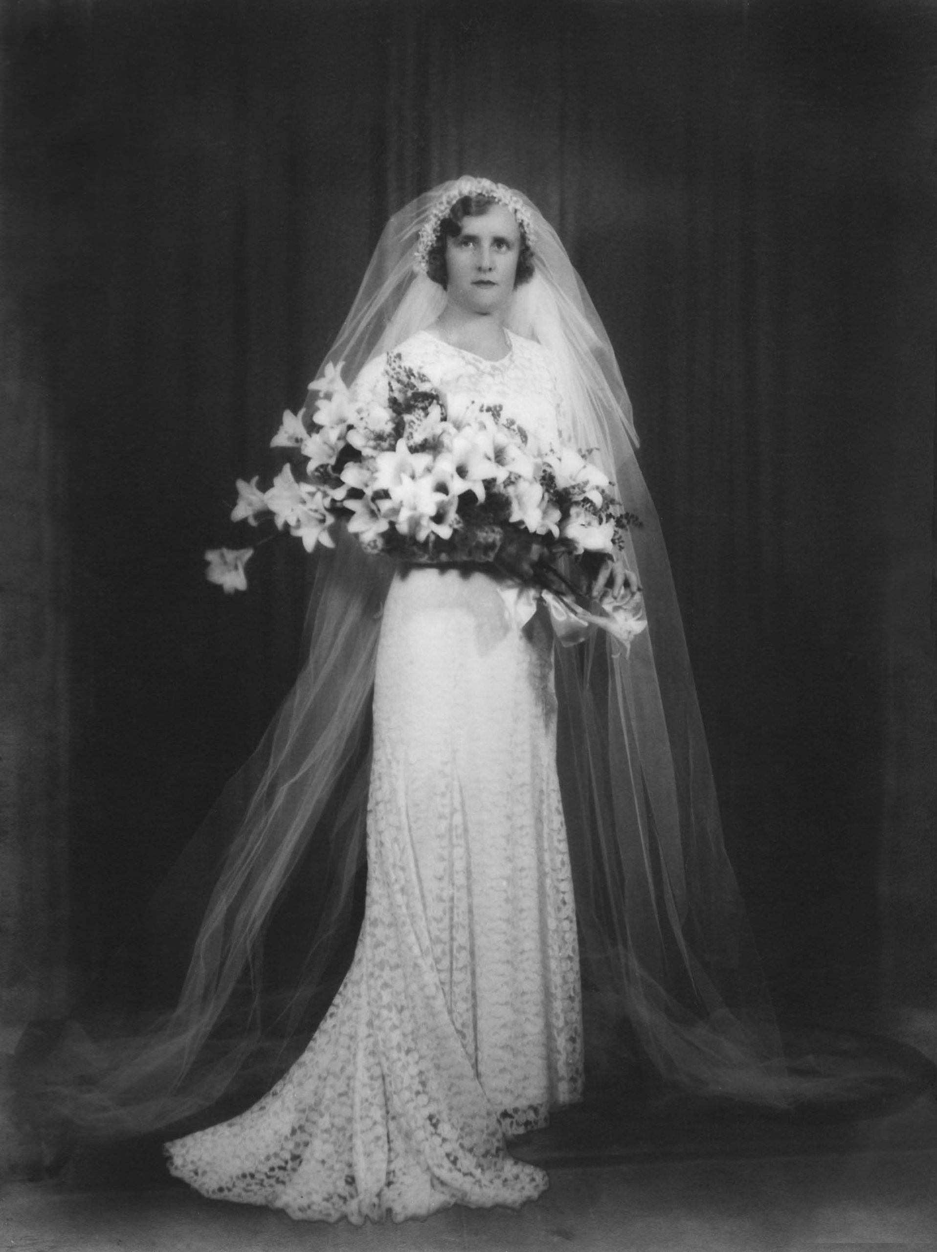 My mother, Miss Beatrice Violet Jullyan (born in 1906) married Mr James Chester Draper on December 16th 1933 at St Mary's in Caulfield