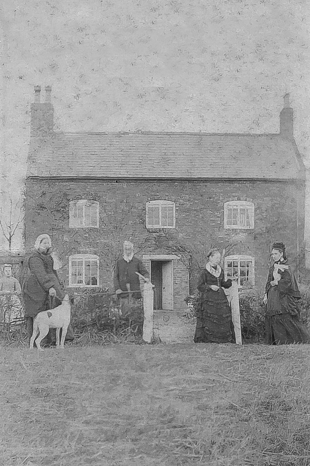 James Draper (1802 - 1880) and Mary Draper (nee Price) (1804 - 1890), the parents of Charles Draper c 1875.  After Charles purchased a home for his siblings he enabled his sisters Emma and Louisa (also pictured) to live in it, and then willed it to his daughter Fanny upon the death of his sisters