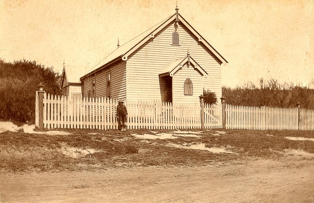The former Nillumbik Methodist Church built in 1871, was relocated and positioned at the rear of the existing Arthurs Creek Methodist Church to serve as a Sunday School