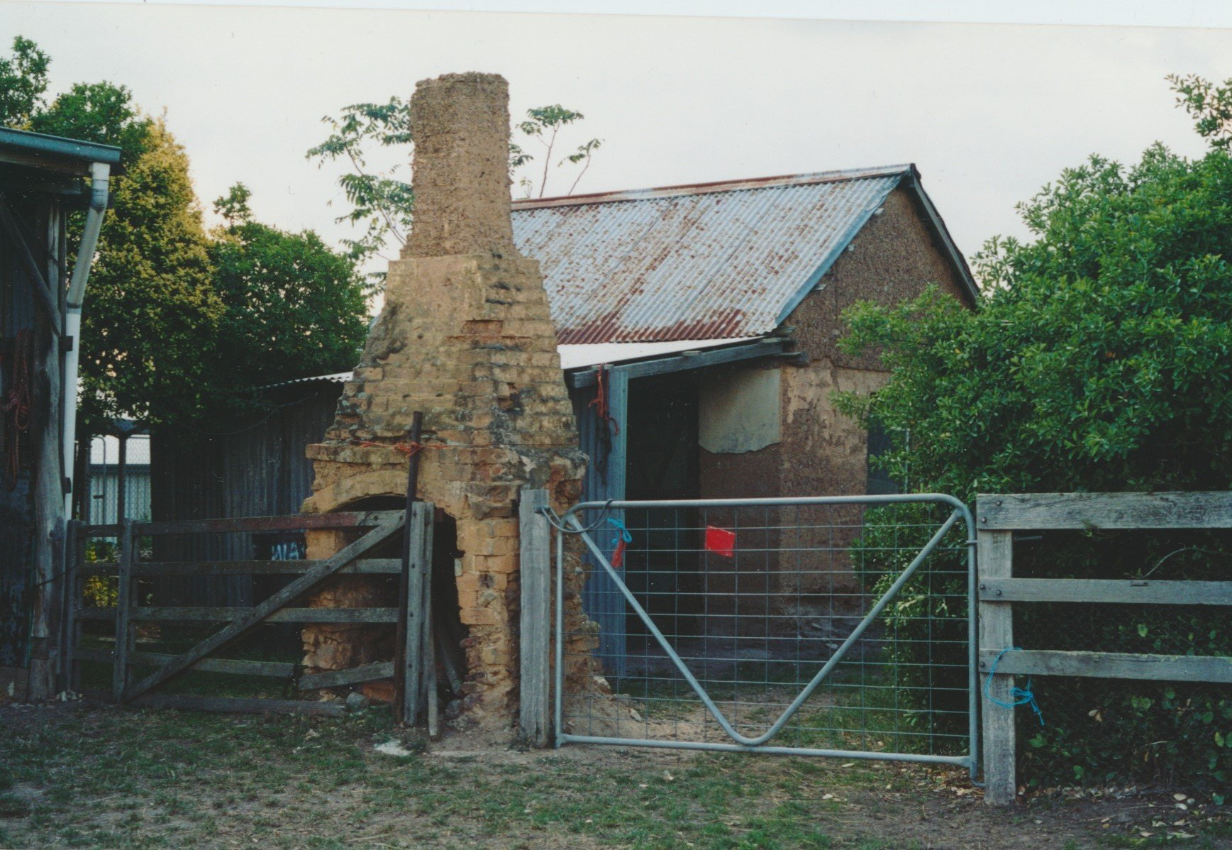 Chimney and detached kitchen of old Healey house, last occupied by Alexander 'Alec' Healey, son of James Healey.  Bruce G. Draper, 2003