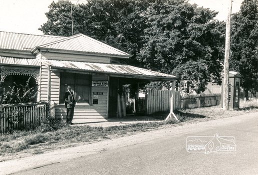Arthurs Creek Post Office, 1960s.  Photo credit Eltham District Historical Society, victoriancollections.net.au