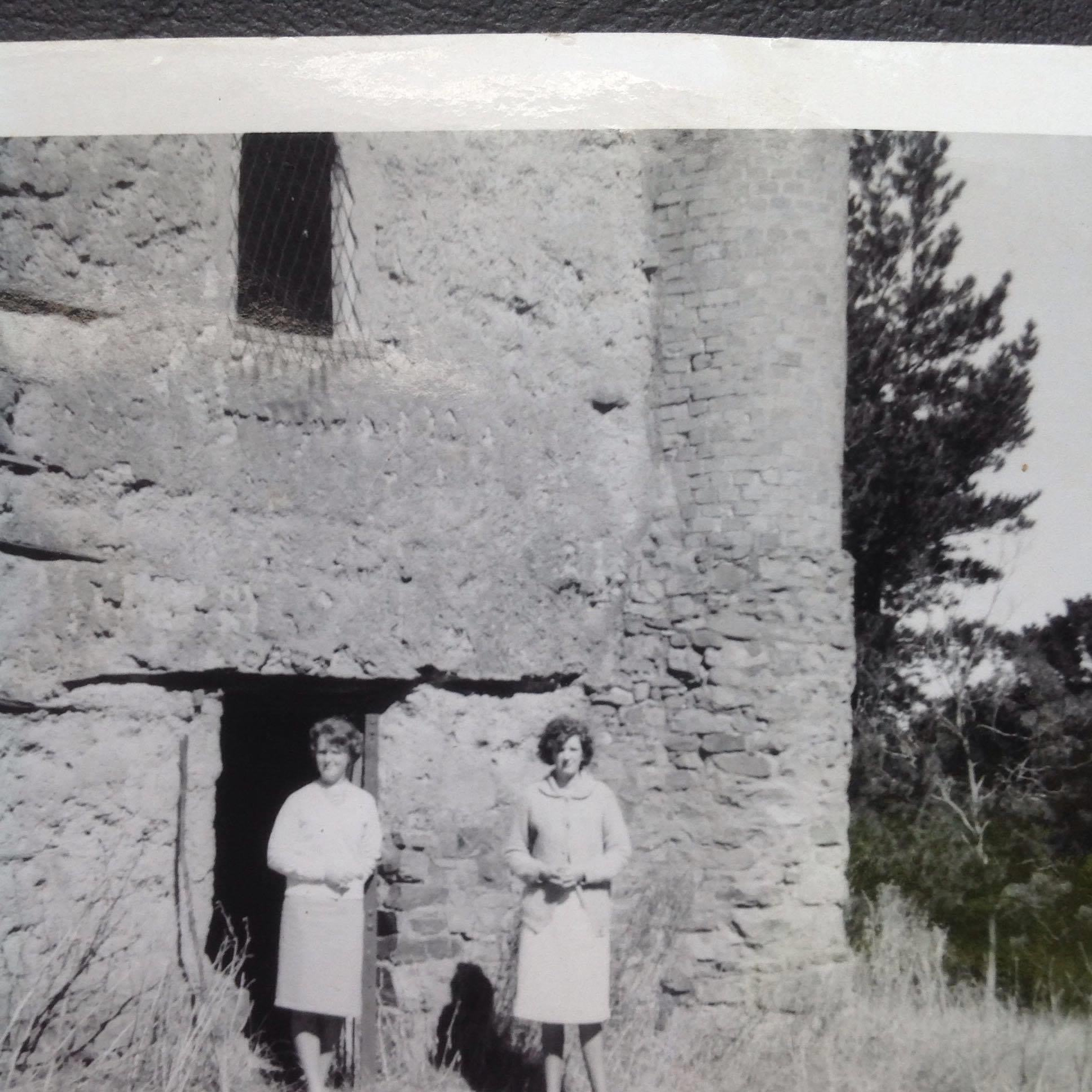 The Noy family at Bear's Castle, 1963