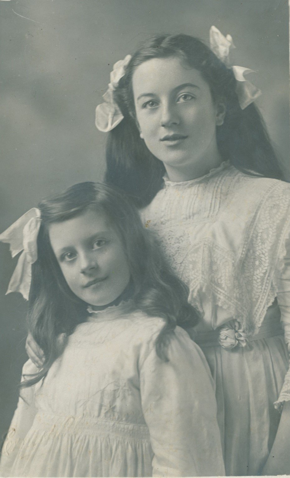 Young members of the Draper family