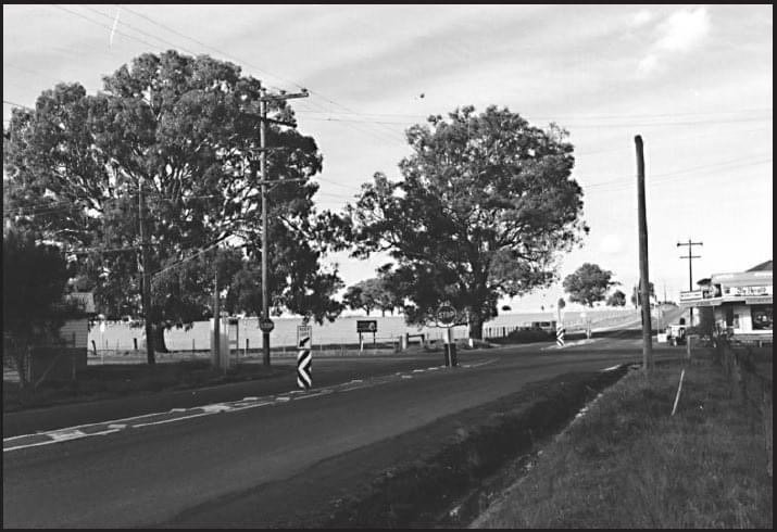 Hickey's Corner (Bridge Inn Road and Yan Yean Road), with the Doreen Hall on the left and the General Store, which opened in 1890, further down on the right