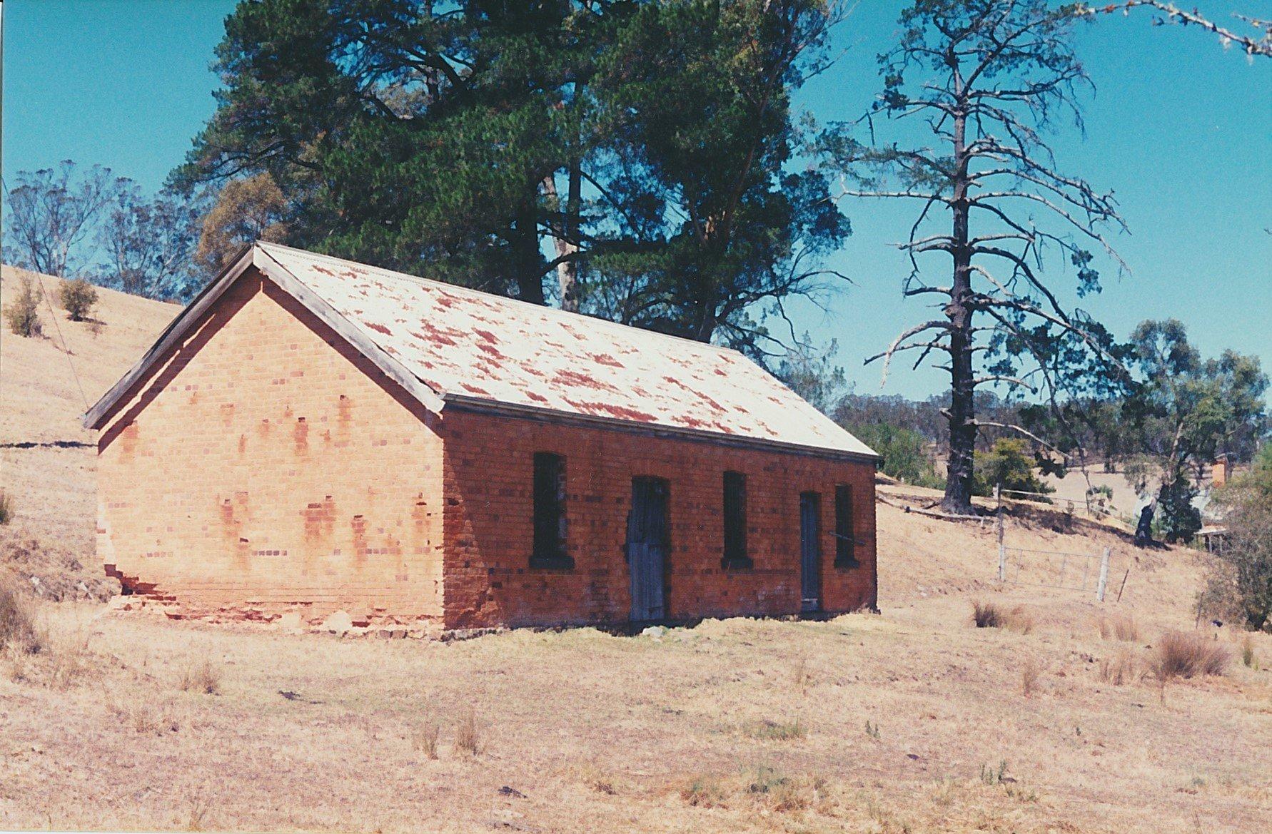 Old stable at 'Charnwood', Arthurs Creek.  Bruce G. Draper, November 2003