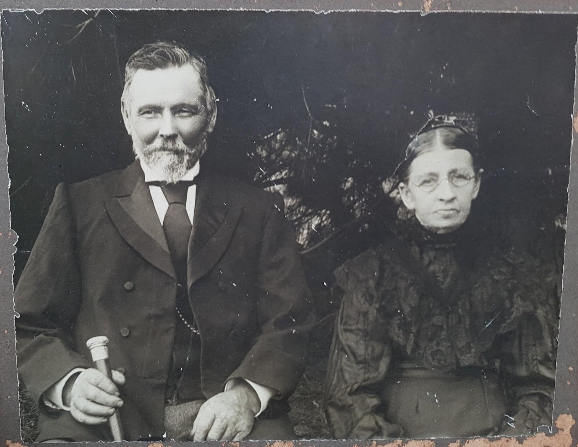 Richard and Ann Bassett of 'Tregowan'.  They donated a piece of land at the corner of Bannon's Lane North and Doctor's Gully Road as a site for the Hazelglen Hall.  Both died in 1913