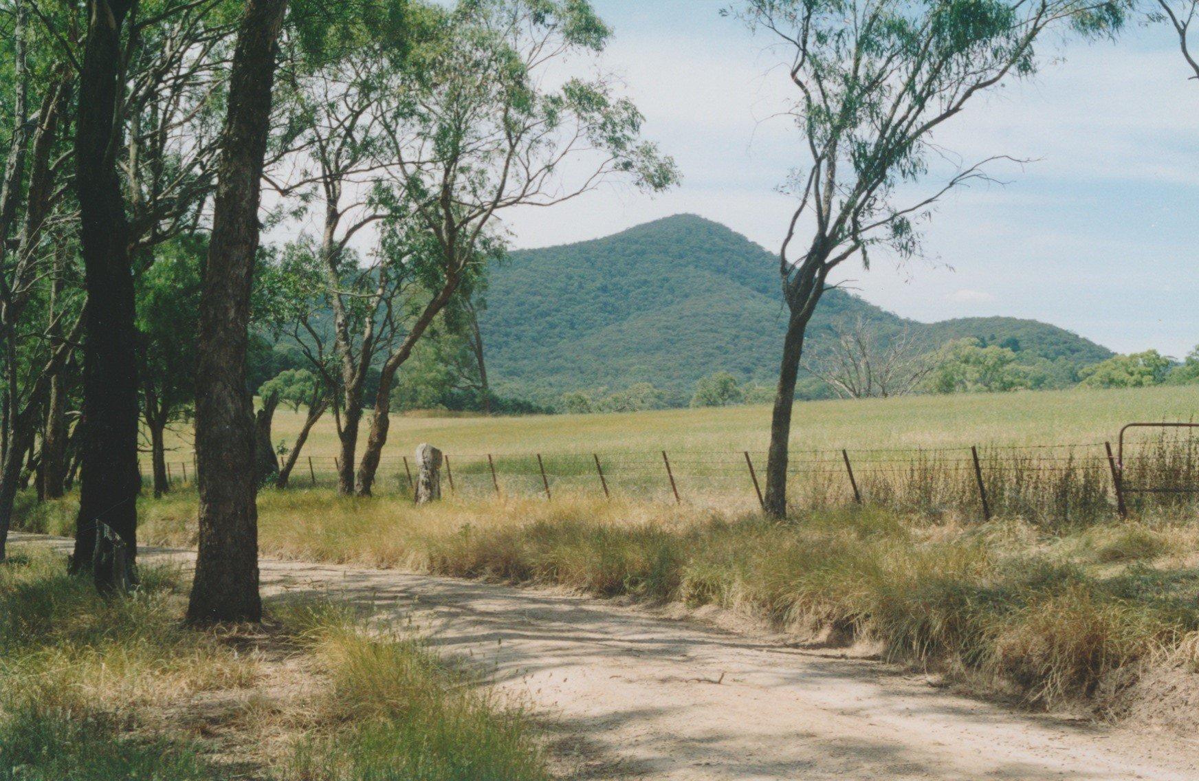 Mount Sugarloaf from Minchins Road, Arthurs Creek, 2003
