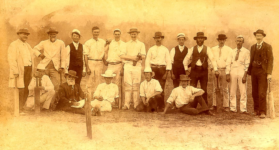 Arthurs Creek Cricket Club.  Club meetings were held at the Arthurs Creek Hall before the opening of the Hazelglen (Hazel Glen) Hall in April 1896.  Meetings were then held at the Hazelglen Hall until August 1914.  The club was later replaced by the Doreen Cricket Club