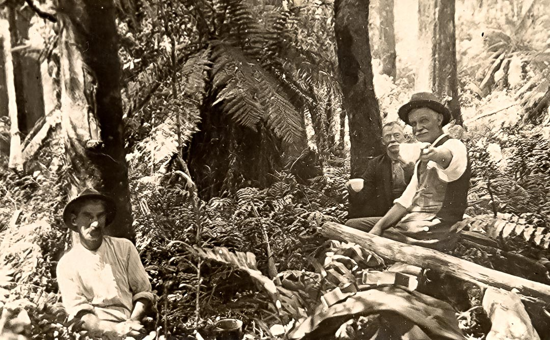 George James Apted (1864-1938) on right, at Shady Creek near Noojee