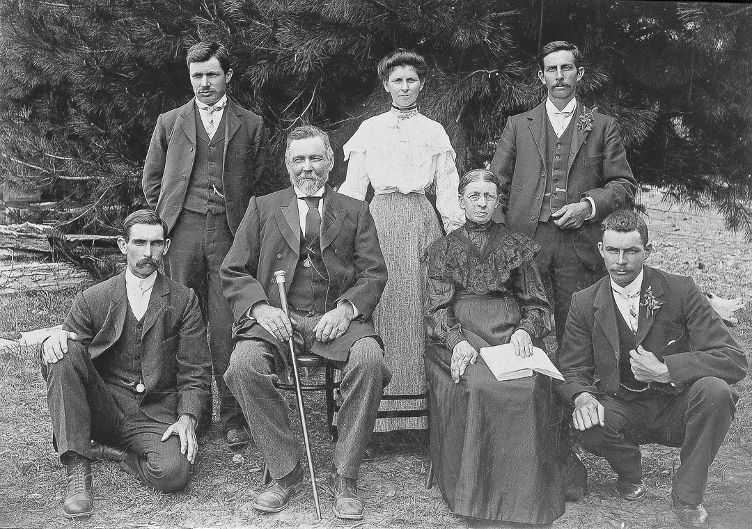 Family of Richard and Ann Bassett of 'Tregowan', Doreen c 1905
